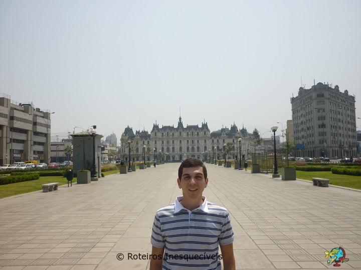 Paseo de los Heroes - Lima - Peru