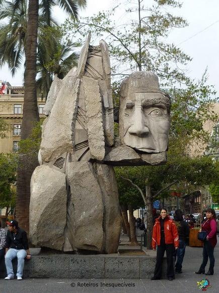 Monumento a los Indigenas - Santiago - Chile