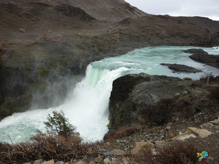 Salto Grande - Torres del Paine - Patagonia Chilena