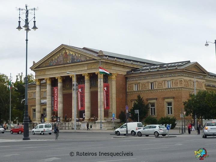 Műcsarnok Kunsthalle - Budapeste - Hungria