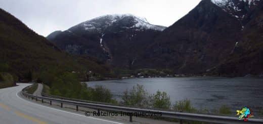 Estrada - Fiordes - Noruega